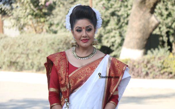 बंगाली साडीमा करिश्मा