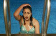 'चपली हाइट ३'की बोल्ड सुपुष्पा