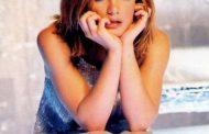 अमेरिकन पप गायिका ब्रिट्नी स्पियर्सले किन गरिन आफ्नो करियर धराप पार्ने घोषणा